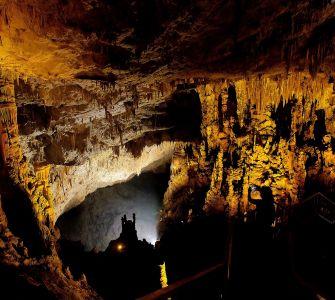 Aynalıgöl Mağarası